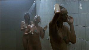 emiyl cox nackt dusche